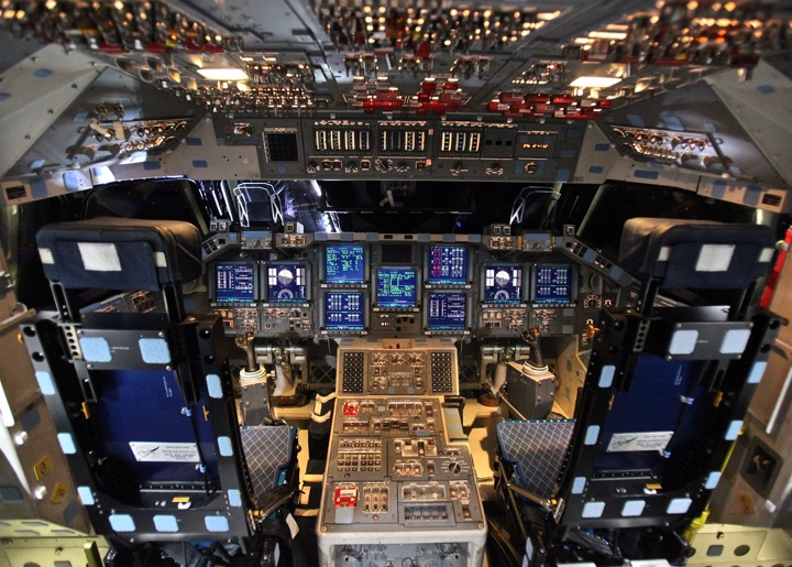Space_Shuttle_Endeavour's_Control_Panels